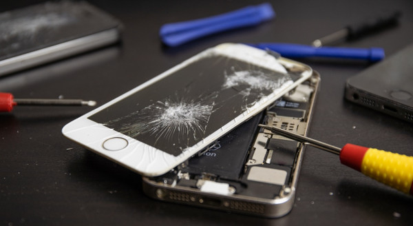 Cracked Phone Screen Fixing Tips